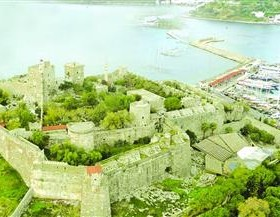 The Castle of St. Peter in Bodrum today is a major tourist attraction and houses one of the finest underwater archaeology museums in the world. AA Photo