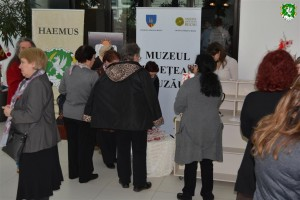 Grandma_March_Day_exhibition_by_HAEMUS_17
